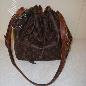 Louis Vuitton Noe Mm Drawstring Bucket Bag